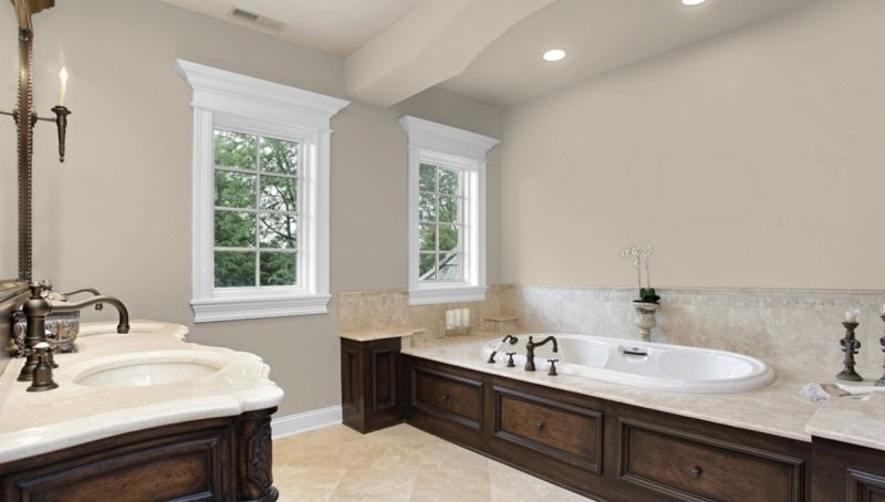accessible beige bathroom 2