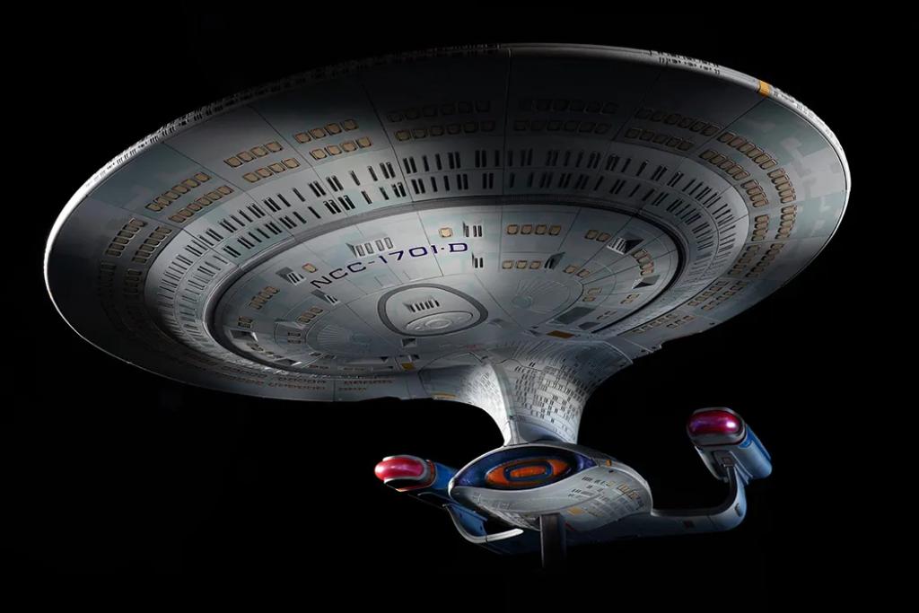 Build your own Star Trek ship