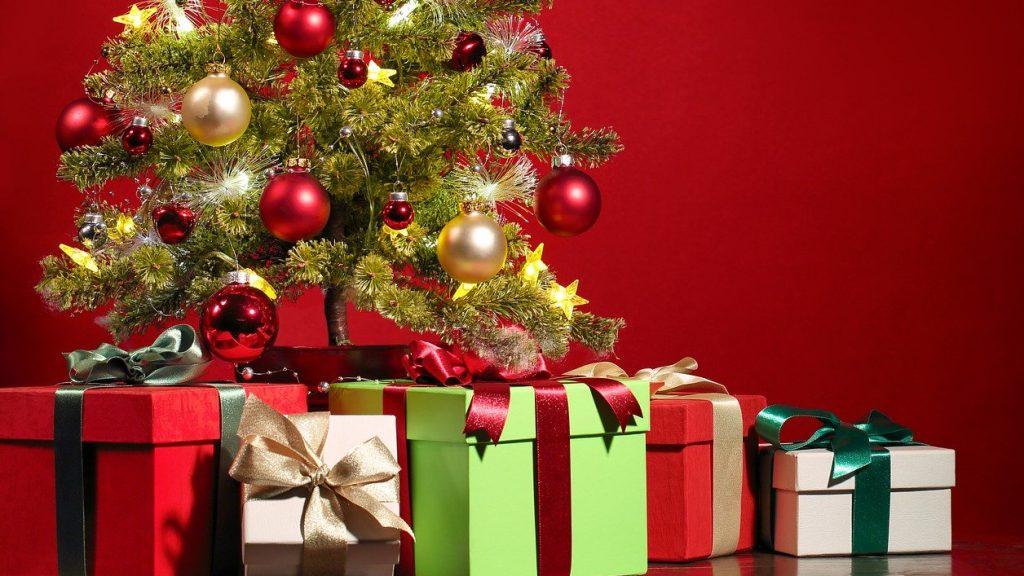 christmas toys tree