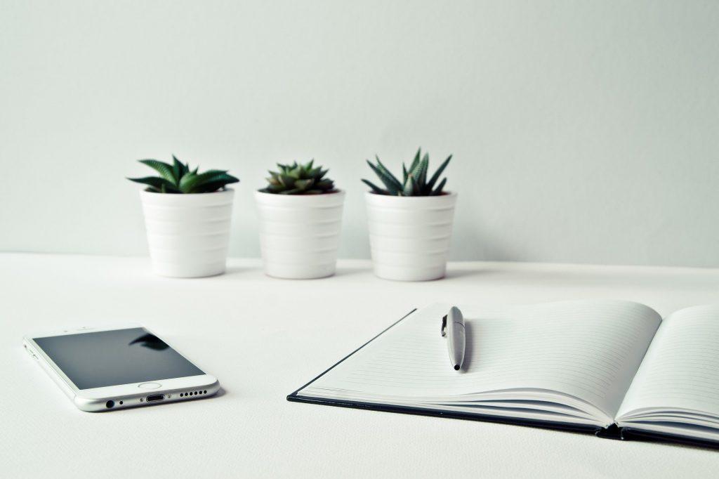 iphones desk