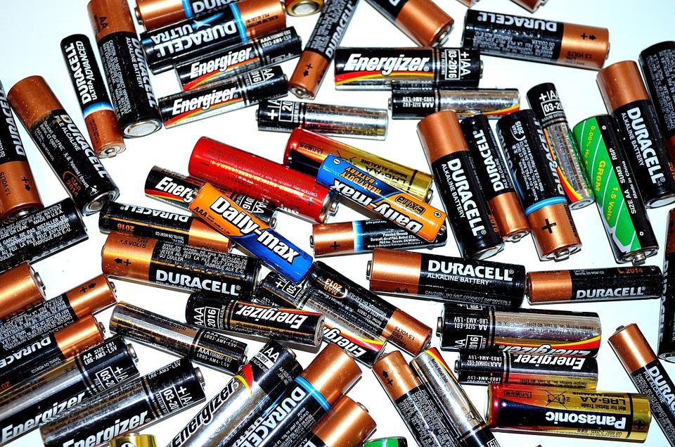 duracell vs energizer 2